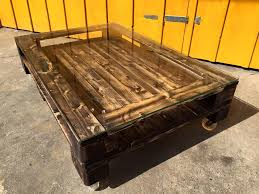 diy pallet coffee table with glass top u0026 wheels 99 pallets