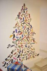 alternative christmas tree holiday decorating ideas 2 401x600