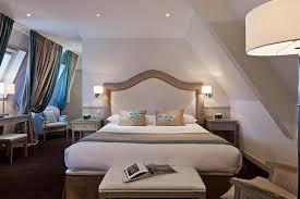 chambre de chambre de luxe pour un week end en amoureux dans un château à chantilly