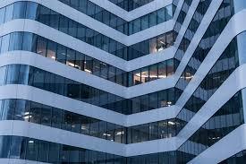 immeuble de bureaux immeuble de bureaux entreprise photo gratuite sur pixabay
