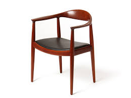 the round chair by hans j wegner from a unique collection of