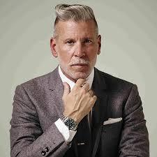 coupe pour cheveux gris 20 nuances de cheveux gris pour les hommes coupe de cheveux