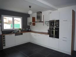 cuisines blanches et grises cuisine blanche sol bois