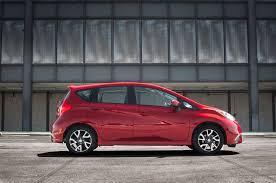red nissan versa 2015 nissan versa 6 widescreen car wallpaper