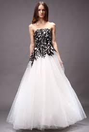 robe de mari e noir et blanc robe mariee et blanche idée mariage