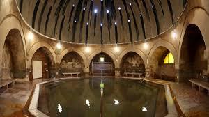 bagno termale e piscina széchenyi terme di budapest il relax è in ammollo