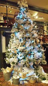 Christmas Decorations Discount Uk by Best 25 Commercial Christmas Decorations Ideas On Pinterest