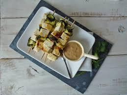 cuisiner le tofu ferme brochettes de tofu marinées au citron et lait de coco sauce coco