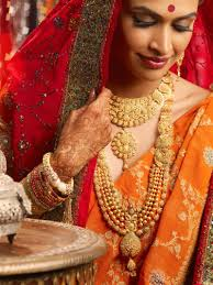 salony luthra in bridal jewellery