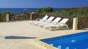 private accommodation holiday house zen with pool by the sea and