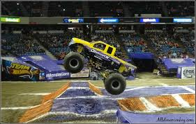 Monster Trucks Crash S For Children Youtube Grave Digger Jams