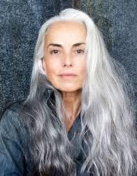 coupe pour cheveux gris cheveux longs cheveux gris laissez moi choisir elleadore
