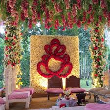 Hindu Wedding Mandap Decorations Wedding Mandap Decorated With Lilies Roses And Traditional Flowers