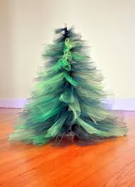 How To Decorate A Large Christmas Tree - 25 unique tulle christmas trees ideas on pinterest tulle crafts