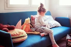 faire l amour sur un canapé oscar le canapé aux pieds tie dye poulette magique