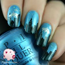 piggieluv the aliens are coming and i made some nail art to