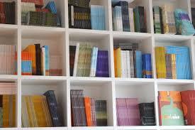 bibliotheque chambre images gratuites meubles chambre bagage étagère à livres