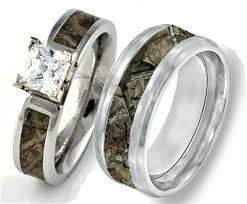 camouflage wedding rings his and hers couples camouflage wedding rings matching
