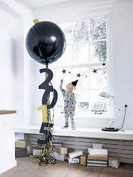 New Year S Eve Decorations Pinterest by Best 25 Jumbo Balloons Ideas On Pinterest Clear Balloons Giant
