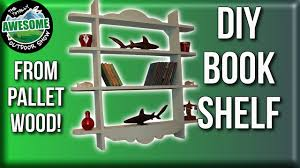 how to make a bookshelf from pallet wood for free ta outdoors