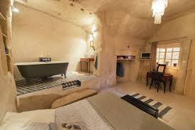 chambres d hotes amboise amboise troglodyte cave home accueil