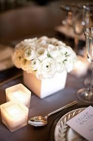 Cube Vase Centerpieces by Best 25 White Flower Centerpieces Ideas On Pinterest White