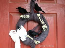 Black Halloween Wreath Halloween Diy Creepy Crow And Bones Wreath The Tiptoe Fairy