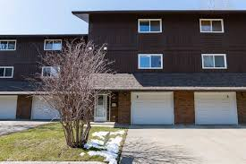 ian robertson personal and office listings first real this spacious bedroom level split townhouse condo with attached garage located the quiet complex glaewyn estates home features large