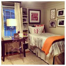 a very adorable dorm room room in a chapter house dorm room