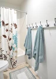 Towel Storage For Bathroom by Best 25 Bathroom Towel Bars Ideas Only On Pinterest Hanging