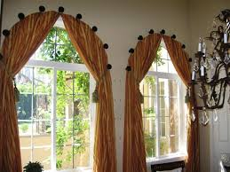 Curved Window Curtains Arched Window Curtain The Link Doesn U0027t Work But From The Picture