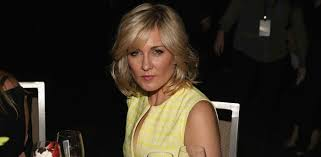 amy carlson hairstyle amy carlson disses blue bloods season 8 for linda reagan s death