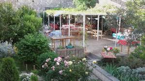 Un Mas En Provence Garden Restaurants In Provence Official Website For Tourism In