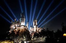 nighttime lights at hogwarts the wizarding world of harry potter at universal studios announces