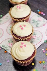 red velvet cupcake bear food