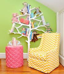 etagere pour chambre enfant arbre étagère une bibliothèque originale et décorative pour enfants