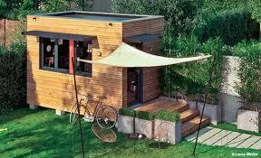 bureau de jardin bois structure d un espace bureau construit au fond du jardin tiny
