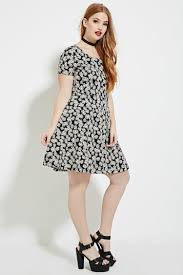 forever 21 plus size daisy print dress in black lyst