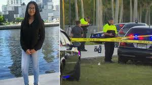 2 teenage girls die after being struck by car near western