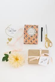 1st wedding anniversary gift 1 year anniversary gift ideas win a 2nd honeymoon