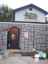 squeaky hinge halloween haunted garage