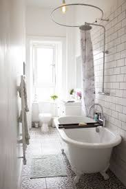 Chic Bathroom Ideas by Top 25 Best Small White Bathrooms Ideas On Pinterest Bathrooms