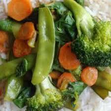 comment cuisiner les pois mange tout poêlée de légumes brocoli carotte pois gourmand blette