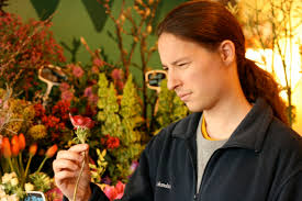 clueless guy u0027s guide to buying flowers 8 steps with pictures