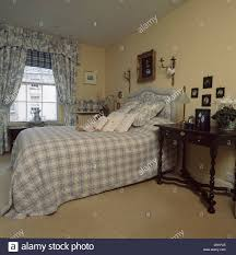 Schlafzimmer In Blau Beige Bed Blue Toile De Jouy Stockfotos U0026 Bed Blue Toile De Jouy Bilder