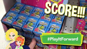 Toys R Us Toys For Major Shopkins Score At Toys R Us Playitforward