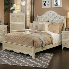 Upholstered Sleigh Bed Sandberg Furniture 354 Marilyn Upholstered Sleigh Bed The Mine