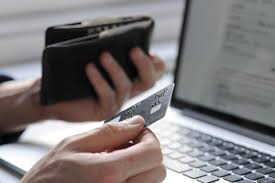 how other stores are handling the pros and cons of online shopping