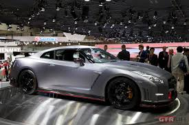 nissan gtr matte silver nissan booth tokyo motor show gt r media gt r life