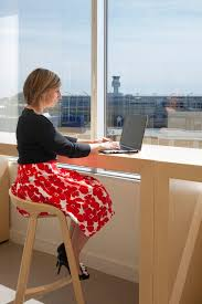 cbre it service desk cbre office by cbre architecture and hok office snapshots